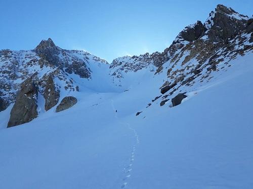 قله تخت سلیمان   عاشقان طبیعت ایران   صعود به قله تخت سلیمان
