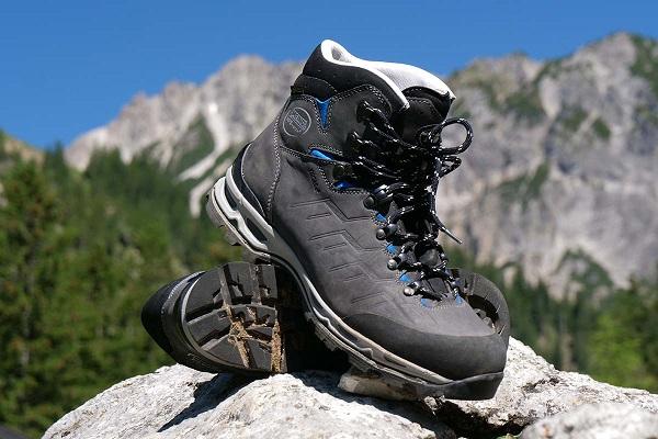 خرید و نگهداری کفش کوهنوردی | عاشقان طبیعت ایران | کفش کوهنوردی