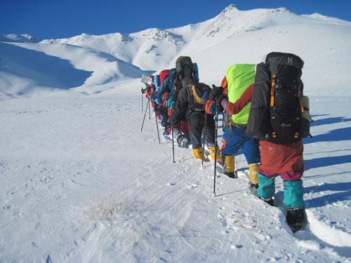 تفاوت کوهنوردی در تابستان و زمستان