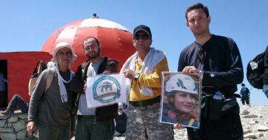 DSC 0393 2 e1549375762758 390x205 - صعود به قله توچال از مسیر چشمه نرگس