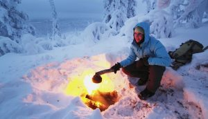 کمپ زدن در برف | عاشقان طبیعت ایران | نحوه چادر زدن در برف