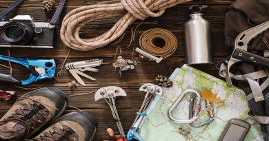 تجهیزات کوهنوردی و کمپینگ | عاشقان طبیعت ایران | لوازم مورد نیاز برای کوهنوردی و کمپینگ