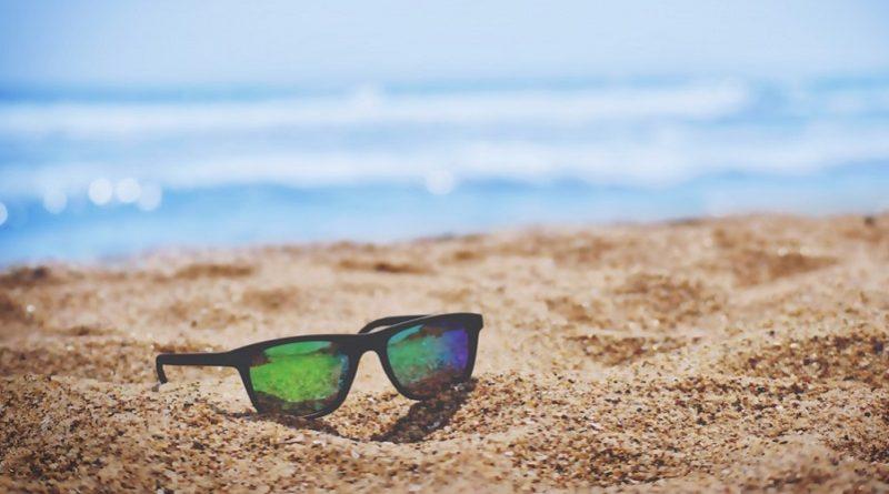 عینک آفتابی   عاشقان طبیعت ایران   عینک آفتابی و جذب اشعه فرابنفش