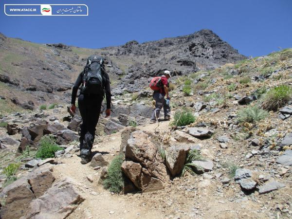 قله کرکس   عاشقان طبیعت ایران   صعود به قله کرکس اصفهان   وجه تسمیه قله کرکس