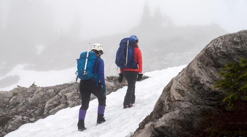 کوهنوردی در یخ و برف | عاشقان طبیعت ایران | چگونگی حرکت در یخ و برف