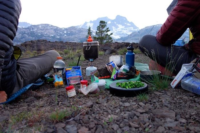 تغذیه در کوهستان | عاشقان طبیعت ایران | مواد غذایی مفید در کوهنوردی