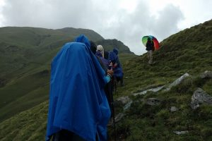 لایه بندی لباس کوهنوردی | عاشقان طبیعت ایران | نحوه پوشیدن لباس کوهنوردی
