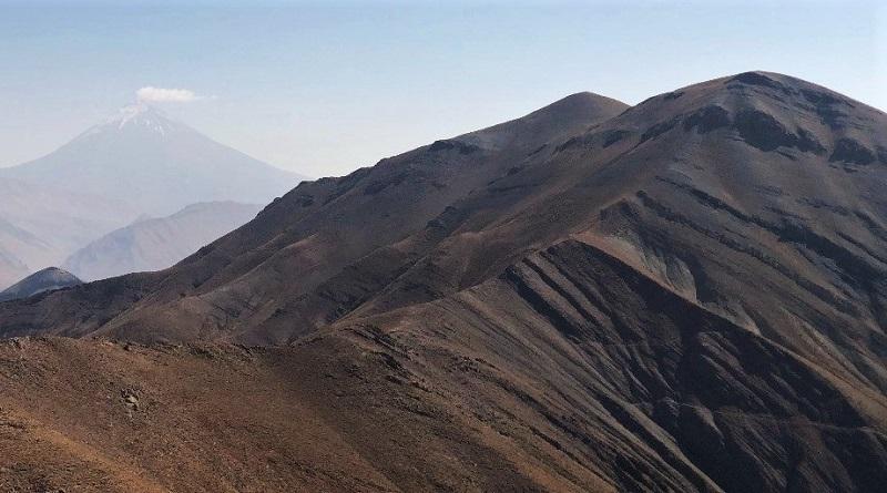 قلل سیاه چال | عاشقان طبیعت ایران | صعود به قلل سرسیاه غار لواسان